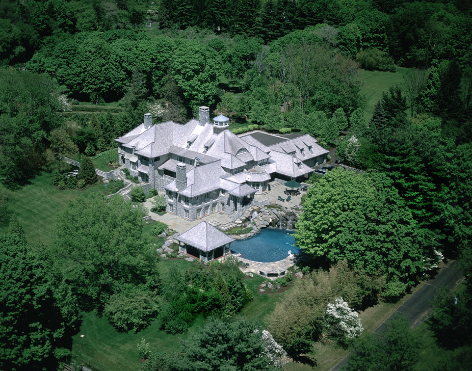 shingle-style-home